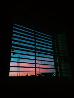 sky full of colors Sky Aesthetic, Aesthetic Photo, Aesthetic Pictures, Rite De Passage, Pretty Sky, Jolie Photo, Pretty Pictures, Aesthetic Wallpapers, Iphone Wallpaper