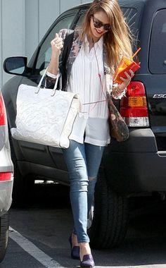 Blusa blanca + slippers