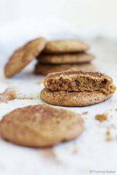 Pähkinävoikeksit // Super moist and nutty peanut butter cookies. Plus they're flourless!