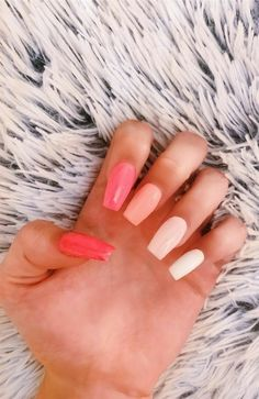 Want some ideas for wedding nail polish designs? This article is a collection of our favorite nail polish designs for your special day. Read for inspiration Summer Acrylic Nails, Best Acrylic Nails, Pastel Nails, Colorful Nails, Simple Acrylic Nails, Blush Nails, Acrylic Nails With Design, Squoval Acrylic Nails, Bright Nails