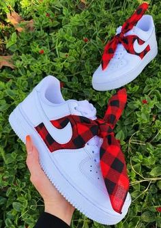 Red Flannel Each individual pair is handcrafted to order Bandana is stitched to perfection and will not decay overtime! Brand new with box Cute Sneakers, Sneakers Mode, Sneakers Fashion, Fashion Outfits, Jordan Shoes Girls, Girls Shoes, Cool Shoes For Girls, Nike Shoes Air Force, Air Force Sneakers