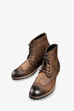 Classic Brogue Boots In Brown. Free 3-7 days expedited shipping to U.S. Free first class word wide shipping. Customer service: help@moooh.net