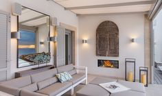 Villa Andratx - Kamin und Kunstobjekte