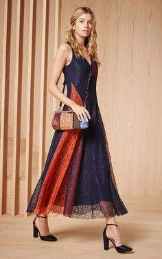 44f8fb5876e9 23 Beautiful Dresses You ll Keep Revisiting This Fall. Fall 2016 Trends Fashion ...