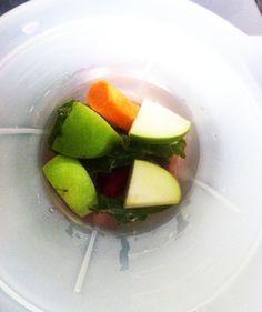Suco: beterraba, maçã verde, cenoura, couve.