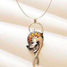 """Балтийский янтарь Pussycat ожерелье . Серебро цепочка, подвеска.  4 """"л кулон;. 18"""" л. омега цепь с застежкой омар.Цена : $ 255.00 Baltic Amber Pussycat Necklace"""