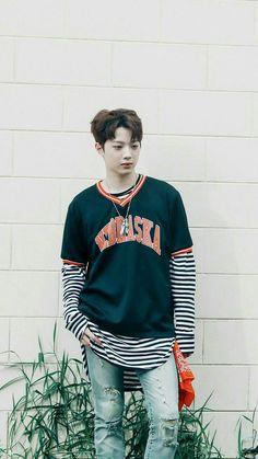 Kpop collection - Lai Guanlin (Wanna One) Guan Lin, Lai Guanlin, Produce 101 Season 2, Kim Jaehwan, Ha Sungwoon, Seong, Baby Boy Fashion, 3 In One, Asian Boys