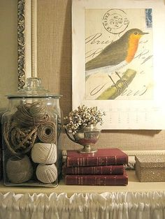Twine and string vase filler.yes, but notice the calligraphy on the print behind it! Arts And Crafts, Diy Crafts, Vase Fillers, Decorated Jars, Glass Birds, Inspired Homes, Vignettes, Rustic Decor, Bird Theme