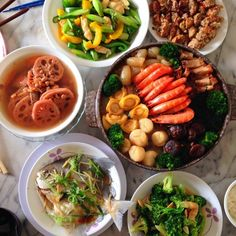 #CNY #reunion #homecooked #lunch #broccoli #asparagus #vegetables #razorclams #pomfret #pencai #abalone #scallops #seafood #prawn #seacucumber #mushrooms #porkbelly #盆菜 by poshpearl