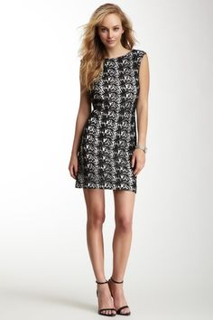 Vince Camuto Sleeveless Paisley Lace Dress