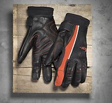 Optimal comfort merges with modern convenience. Pre-curved fingers have stretch inserts that reduce bulk and increase movement to alleviate rider fatigue. Biker Gloves, Biker Gear, Motorcycle Gloves, Motorcycle Outfit, Women's Gloves, Harley Davidson Online Store, Harley Davidson Gifts, Striped Gloves, Riding Gear