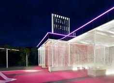 laostudio: Neon pink car wash