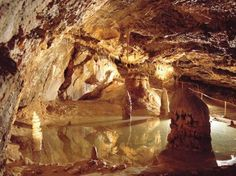 Gombasecká jaskyňa Slovakia Bratislava, Places In England, Heart Of Europe, Big Country, Central Europe, Antelope Canyon, Caves, Places To Visit, Around The Worlds