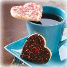 Hola, Buenos días!  Aquí les mando una tacita de café caliente!  Que tengas un hermoso día!