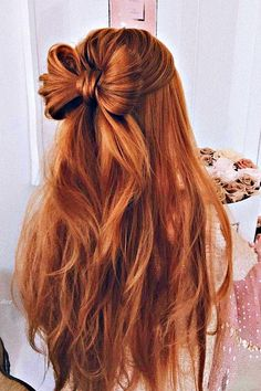 Surprise Your Loved One with 15 Lovely Half Up Half Down Hairstyles - Have been wanting to get a new hairstyle makeover? Find out the best of half up half down hairstyles to look effortlessly chic here. Prom Hairstyles For Long Hair, Braided Hairstyles, Wedding Hairstyles, Long Haircuts, Cute Hairstyles For Prom, Easy Prom Hair, Back To School Hairstyles Easy, Teenage Hairstyles, Fashion Hairstyles