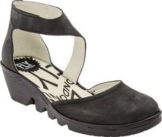 Fly London Piat Closed Toe Wedge (Black/Black )