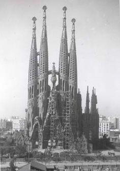 Sagrada familia 1933 circa