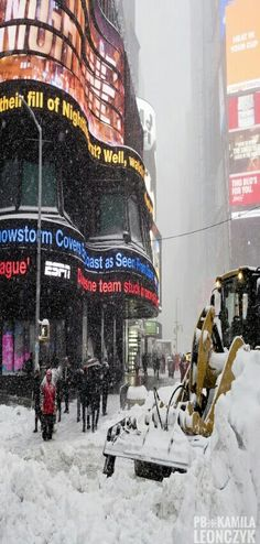 New York - Storm Stella has brought chaos to millions in America's north-east. Scientists are increasingly convinced climate change plays a role in extreme weather events #Winter