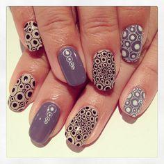 Circle art nails #avarice #art #kayo #design #nails #nailart #nailsalon #circle (NailSalon AVARICE)