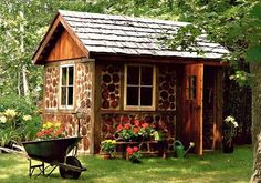 "Here are some amazing ideas for those of you dreaming of building an off the grid home. From far away, they look like stone masonry – but get up close and you will find they are actually made from natural and low-cost logs and cement or lime. Called ""cordwood masonry"", they are labor-intensive, but easy […]"
