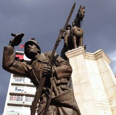 Ankara Ulus Meydanı Zafer Anıtı
