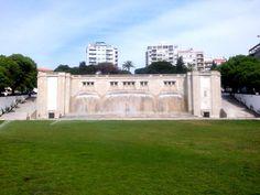Fonte Luminosa - Alameda D. Afonso Henriques - Lisboa Photo And Video, Mansions, House Styles, Designer Fonts, Buen Dia, Fotografia, Villas, Palaces, Mansion