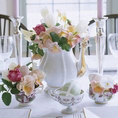 Easter brunch will be both elegant and informal with a centerpiece composed of sweetly mismatched tea sets. Read more: Easter Flower Arrangements and Table Centerpieces - Good Housekeeping Easter Flower Arrangements, Easter Flowers, Floral Arrangements, Art Flowers, Beautiful Flowers, Easter Cupcakes, Deco Floral, Easter Brunch, Easter Dinner
