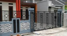 Simple Minimalist Yet Charming House Fence Design Ideas - CasaNesia House Fence Design, Front Gate Design, Modern Fence Design, Wood Fence Design, Small House Design, Minimalist House Design, Minimalist Home, Tor Design, Natural Stone Wall