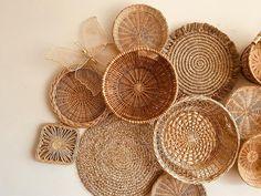 Vintage Basket Wall Bohemian Home Decor Boho Folk Mod Mid Beach Wall Decor, Modern Wall Decor, Home Decor Baskets, Baskets On Wall, Plate Wall Decor, Plates On Wall, Boho Ideas, Mirror Wall Art, Vintage Baskets