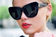 thick framed sunnies