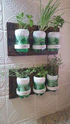 inspiring herb garden design ideas and remodel 36 Vertical Garden Design, Herb Garden Design, Vertical Bar, House Plants Decor, Plant Decor, Hydroponic Gardening, Container Gardening, Hydroponics, Garden Crafts