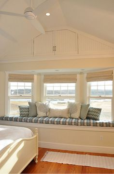 Window-seat. Window-seat decor, pillow ideas. #Windowseat #WindowseatDecor #WindowseatPillow