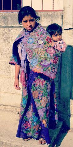 Muchachita de Zinacantan #Chiapas #Indigena #Ethnic