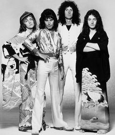 roger taylor, freddie mercury, brian may, and john deacon Queen Band, Discografia Queen, Die Queen, I Am A Queen, Save The Queen, John Deacon, Queen Pictures, Queen Photos, Queen Freddie Mercury