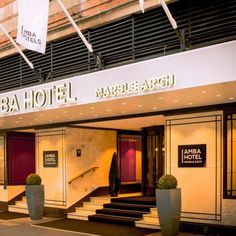 Amba Hotel Marble Arch is located in the very heart of London's glittering centre. With Park Lane, Hyde Park, and dozens of other landmarks just a few steps away, location really is everything. At Amba Hotel Marble Arch, when and where you eat and drink is entirely up to you.   #AmbaHotelMarbleMarch #eventspaces #LondonVenues #4starhotels