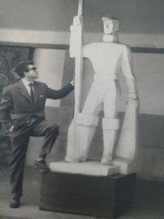 Nelson Canastra- Atrio da Escola Artes Decorativas Soares dos Reis- Porto-1958.