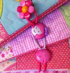 http://luluzinhaatelie.blogspot.com.br/2014/08/capinhas-para-caderneta-de-vacinacao.html