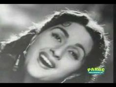 Ama 's favorite song... Hindi Old Songs, Song Hindi, Bollywood Songs, Bollywood Actors, Keyboard Notes For Songs, 90s Hit Songs, Lyric Poem, Film Song, Classic Songs