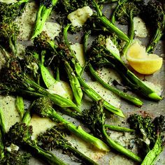 Roasted Broccolini & Cheddar - Barefoot Contessa Side Dish Recipes, Vegetable Recipes, New Recipes, Cooking Recipes, Favorite Recipes, Vegetarian Recipes, Vegetable Medley, Recipies, Roasted Broccolini