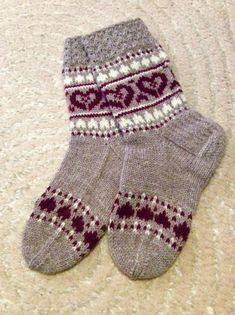 Crochet Socks, Knitted Slippers, Knitting Socks, Hand Knitting, Knitted Hats, Knit Crochet, Fair Isle Knitting Patterns, Knitting Charts, Warm Socks