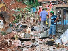 """Do infinitamente pequeno ao infinitamente grande: """"Bahia deslizamento chuva deixa mortos"""": Salvador (Foto: Mila Cordeiro/Agência A Tarde/Estadão Conteúdo)"""