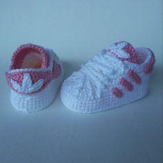 Crochet Basket Pattern, Crochet Patterns, Baby Shoes Pattern, Crochet Baby Booties, Sweater Knitting Patterns, Cute Gifts, Crochet Projects, Free Crochet, Baskets