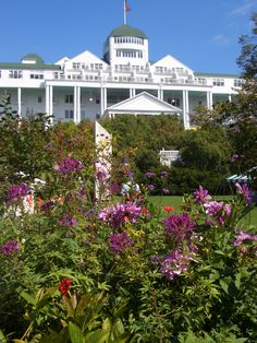 Grand Hotel, Mackinac Island, MI - Setting for the movie Somewhere in Time. Mackinac Island Michigan, Michigan Travel, Wonderful Places, Great Places, Beautiful Places, The Places Youll Go, Places To Go, Mackinaw City, Somewhere In Time