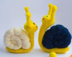 Snails family Needle Felted Animal toy snailsstuffed от WooolyWool