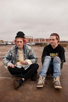 Find images and videos about boy, grunge and indie on We Heart It - the app to get lost in what you love. Grunge Style, Grunge Boy, Soft Grunge, 1990s Grunge, Hipster Style, Estilo Grunge, Looks Style, Looks Cool, My Style