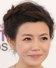 Michelle Chen Braided Updo - Michelle Chen attended the 2012 Independent Spirit Awards wearing her hair in an updo featuring a reverse French braid. Asian Hair And Makeup, Hair Makeup, Cute Hairstyles, Braided Hairstyles, Reverse French Braids, Michelle Chen, Braided Updo, Wedding Looks, Wedding Makeup