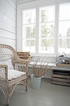 P ö m p e l i Farmhouse Charm, Furniture, Entrance, Cottage, Home, Shabby, Dining Bench, Country Cottage, White