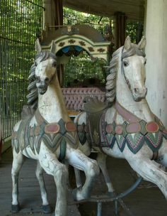 Hanau-Wilhelmsbad, Germany // World's Oldest Carousel from It was first pulled by serfs and later by oxen. Carrousel, Farris Wheel, Victorian Dollhouse, Modern Dollhouse, Carosel Horse, Wooden Horse, Painted Pony, Merry Go Round, Toys