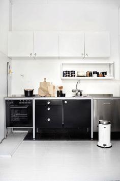 Ikea kitchen @ Design & Splendours. Have always loved this freestanding kitchen.
