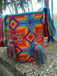 Authentic Mochila Wayuu from La Guajira, traditional size, una hebra tecnique Diaper Bag, Tapestry, Traditional, Pattern, Crafts, Home, Strands, Art, Hanging Tapestry